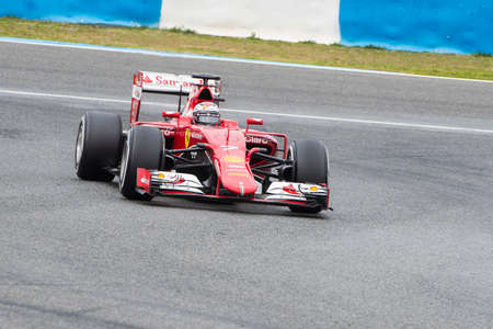 jerez de la frontera: JEREZ DE LA FRONTERA, SPAIN - FEBRUARY 03: Kimi Raikkonen pilot of the team Ferrari in test Formula 1 in Circuito de Jerez on feb 03, 2015 in Jerez de la frontera.
