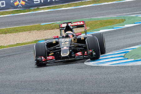 jerez de la frontera: JEREZ DE LA FRONTERA, SPAIN - FEBRUARY 03: Pastor Maldonado, pilot of the Lotus  Sauber, in test Formula 1 in Circuito de Jerez on feb 03, 2015 in Jerez de la frontera. Editorial