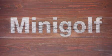Minigolf wood sign Standard-Bild