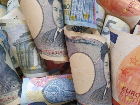 approach to European banknotes and Japanese bills