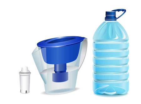 Water filter, filter cartridge and a bottle of water are shown in the picture.