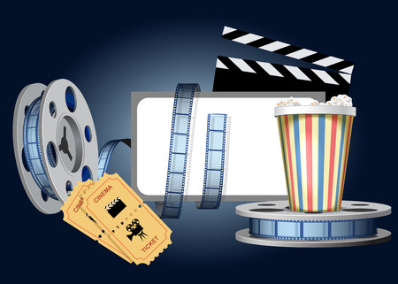 cinematografico: Pel�culas cinematogr�ficas, vidrio con palomitas, boletos y la pantalla se muestran en la imagen.