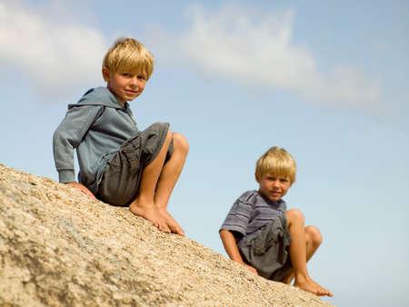 ni�os rubios: Hermanos en una playa LANG_EVOIMAGES