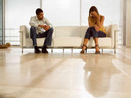 pareja discutiendo: Un par de la lucha.