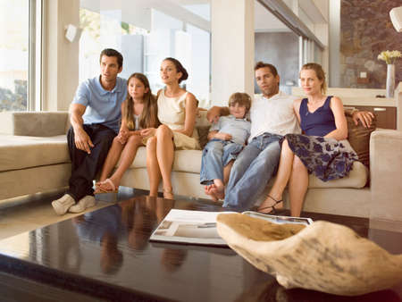 faldas: Las personas que ven la TV LANG_EVOIMAGES