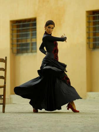 Perfil lateral de un baile bailarina