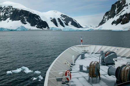 ful: Expedition vessel,Neumayer Channel,Antarctica