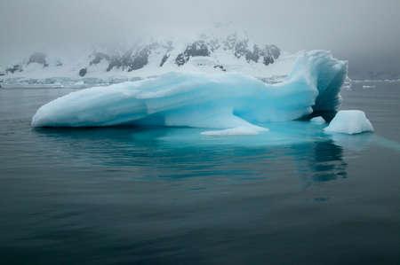 ful: Iceberg,Paradise Bay,Antarctica