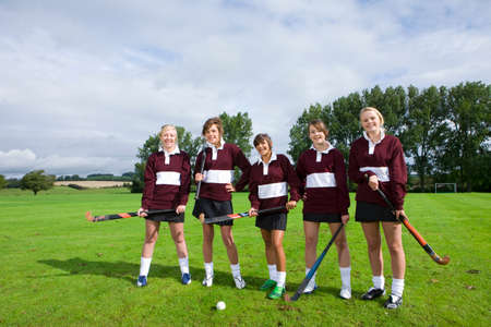field hockey: Adolescente equipo de hockey sobre hierba