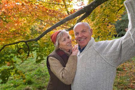 tetbury: Portrait of couple in woods