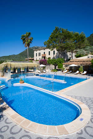 chateau: Chateau hotel swimming pool LANG_EVOIMAGES