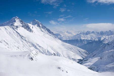 mountain range: Snowy mountain range