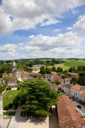 idyllic: Rooftops of idyllic village, Bourdeilles, Dordogne, France