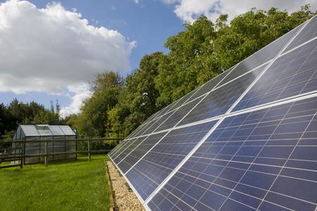 carbon neutral: Large solar panels LANG_EVOIMAGES