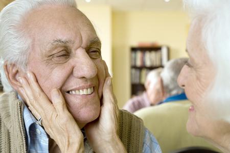 An elderly couple in a retirement home Stock fotó - 96414928