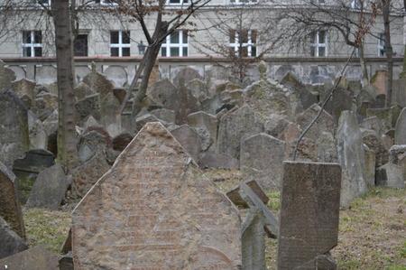 프라하의 오래된 유대인 묘지