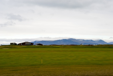 golf course in Iceland near Reykjavik with mountains in background Sajtókép