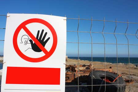 no pase: Trabajar con signo de advertencia: no pase