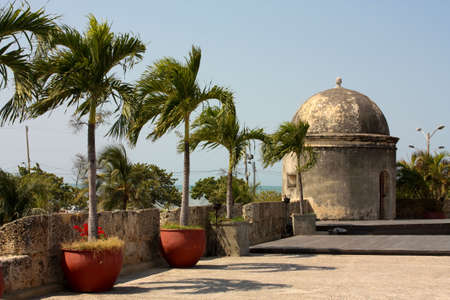 Wall of the old city. Cartagena de Indias, The walls were designed in order to protect the Cartagena suffering ongoing attacks. Its construction was carried out in stages, beginning in 1586 and ending in 1721 Stock Photo