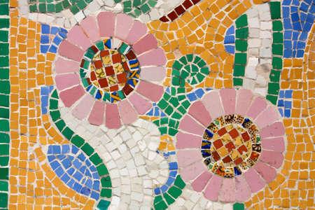 trencadis: Mosaico floral. El Palau de la m�sica Catalana (Palacio de la m�sica catalana) es una sala de conciertos dise�ada en estilo modernista catalana por el arquitecto Lluis Dom�nech I Montaner. Fue construido entre 1905 y 1908. Barcelona, Catalu�a, Espa�a.