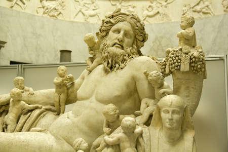escultura romana: Estatua romana del r�o-Dios del Nilo, Roma. Siglo AD I