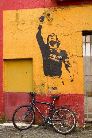 futbol: Roma - 19 marzo: Graffiti in onore Lionel Messi da Banksy, il 19 marzo 2011, a Roma, Italy.Rome, Italia, 19 marzo 2011. Graffiti in onore di Lionel Messi, giocare argentino Futbol Club Barcelona, artista di strada Bansky. Rione Monti, Rome.Graffiti in ho