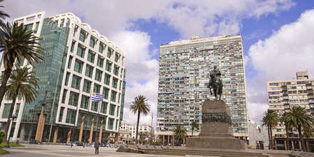 artigas: Independence Square  It is the main square in Montevideo  In the foreground the large equestrian statue of José Gervasio Artigas  Behind the Gate of the Citadel, the Executive Tower  seat of government  and the Palacio Estevez  Uruguay