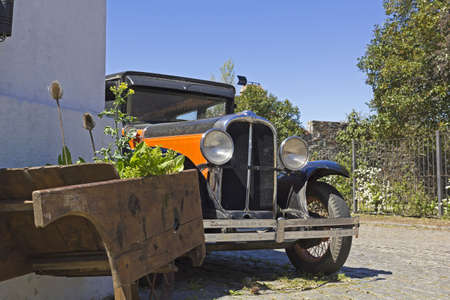 colonia del sacramento: Vintage car in Colonia del Sacramento street The small town of Colonia del Sacramento, Uruguay, is one of the top tourist destinations for residents of Buenos Aires   Argentine and Uruguayan general