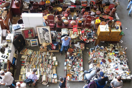 els: BARCELONA, SPAIN - AUGUST 1, 2015: Top view of Flea market in Bar celona, Spain. Mercat Fira de Bellcaire is one of the oldest markets in Europe, has been known since the 14th century