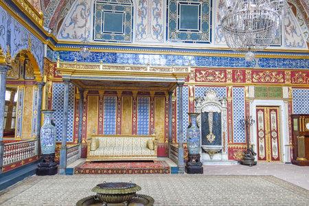 이스탄불, 터키에서 Topkapi 궁전에서 술탄의 빈티지 관객 홀 아름 답게 장식