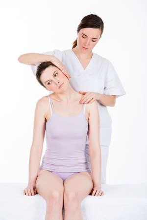 cervicales: �Qu� fisioterapeuta realiza una evaluaci�n de cuello uterino