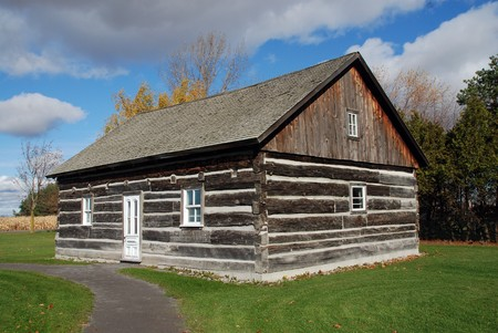 Beautiful log cabin Stock Photo - 7768422