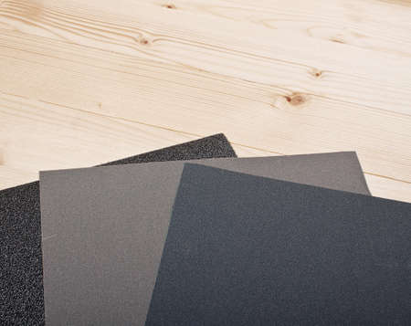 emery: sandpaper on wooden planks for your woodwork