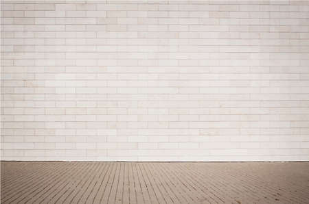 paredes de ladrillos: Textura de color marrón claro pared de ladrillo con la calzada. Ilustración vectorial
