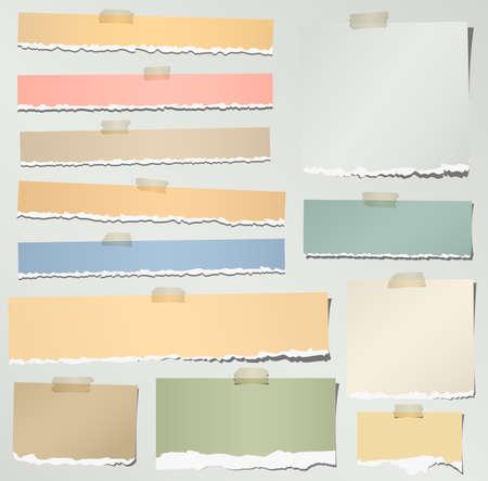 회색 배경에 접착 테이프와 함께 다양 한 다채로운 찢어진 참고 논문의 집합입니다.