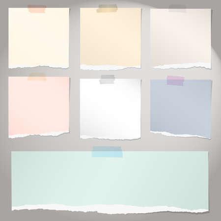 灰色の背景に、粘着テープでいろいろなカラフルな破れたメモ用紙のセットです。  イラスト・ベクター素材