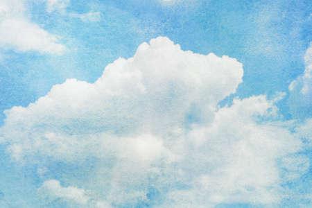 青空: 青には、水彩の雲と空が描かれています。自然背景。