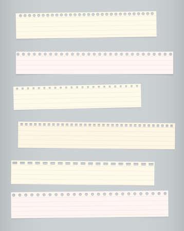 papel de notas: Piezas de cuaderno rayado colorido rasgado, papel sobre fondo gris en cuenta