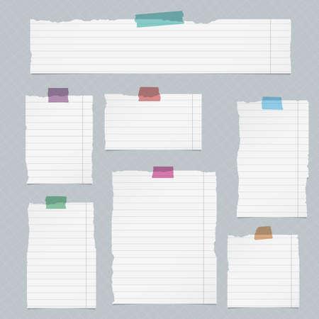 Trozos de papel cuaderno rayado rasgada en el fondo cuadrado.