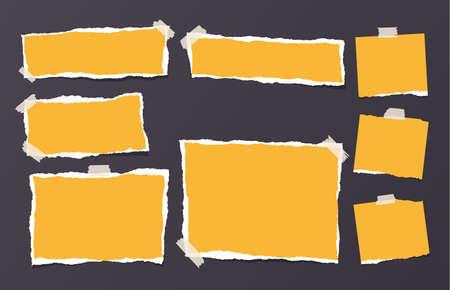 노란색 찢어진 된 스트립, 노트북, 텍스트 또는 메시지에 대 한 참고 종이 검은 색 바탕에 스티커 테이프와 붙어.