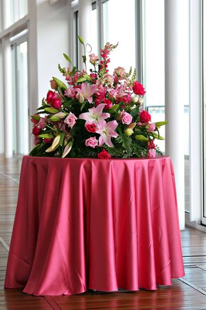 Wedding Bouquet on table 스톡 콘텐츠