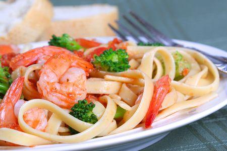 fettuccine: Fettuccine Pasta with Shrimp Dinner Dish and Vegetables