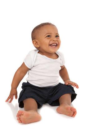 r boy: Feliz Un año africano americano bebé en el fondo aislado