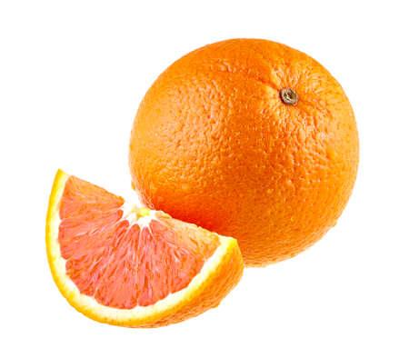 segmentar: frutas de color naranja y un segmento aislado en blanco. Foto de archivo