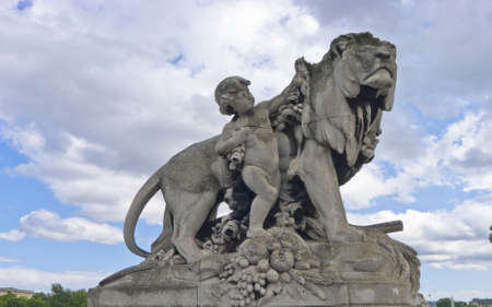 Lion sculpture photo