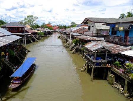 amphawa: Amphawa Floating market Samut Songkram Thailand May 5, 2012