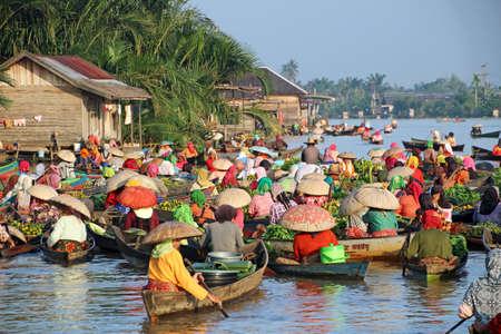 floating market: Floating market at Banjarmasin