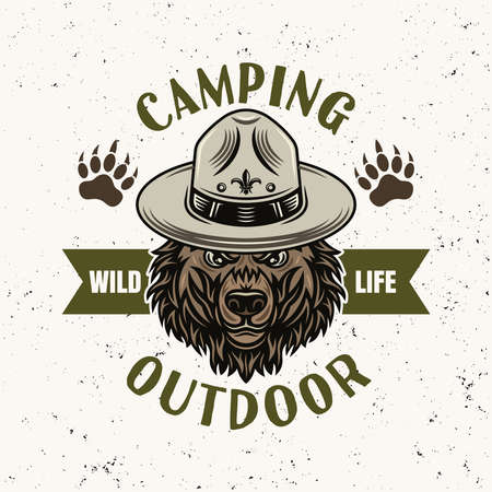 Grizzly bear in scout hat vector emblem, badge, label   for camping and outdoor adventure. Illustration in vintage colorful style isolated on light background with removable texture 向量圖像