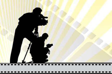 Silhouetten van filmmakers op achtergrond met film elementen en kopie-ruimte