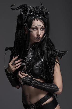 maquillaje de fantasia: Guerrero de la mujer elfo oscuro